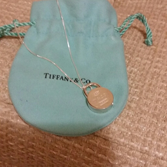 8bbebf5c190a Auth Tiffany   Co Rare Round Padlock Necklace. M 5c3bcc9e2beb7965a179830d